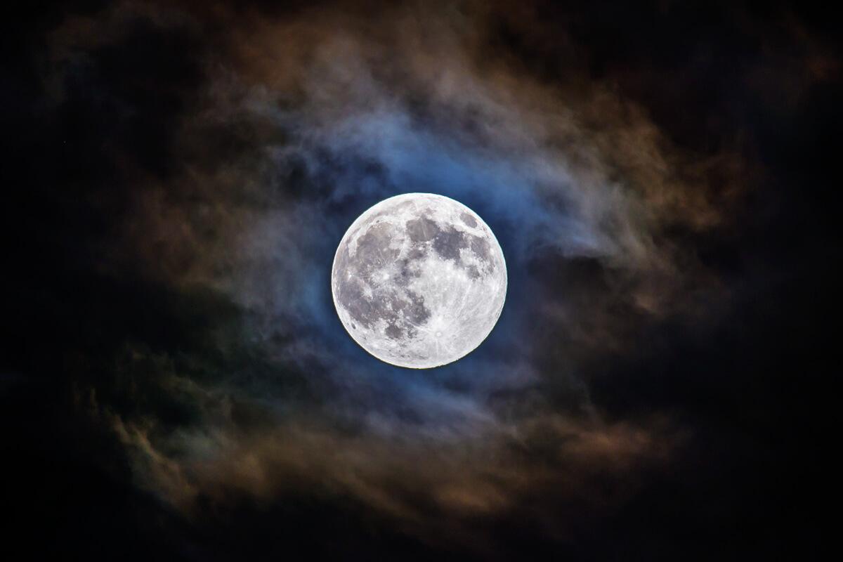 牡牛座満月